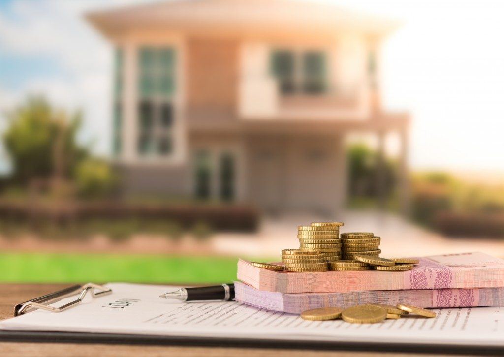 mortgage cost with house background