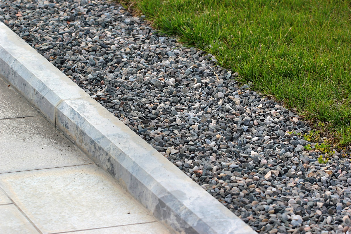 lawn border gravel