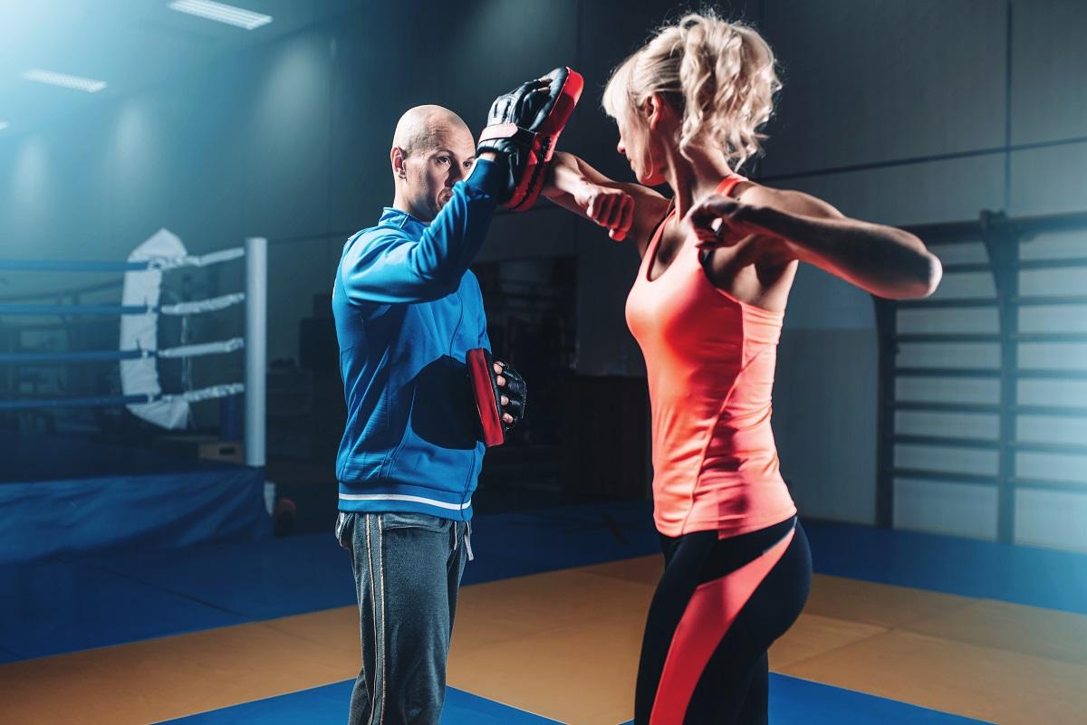 woman learning self defense
