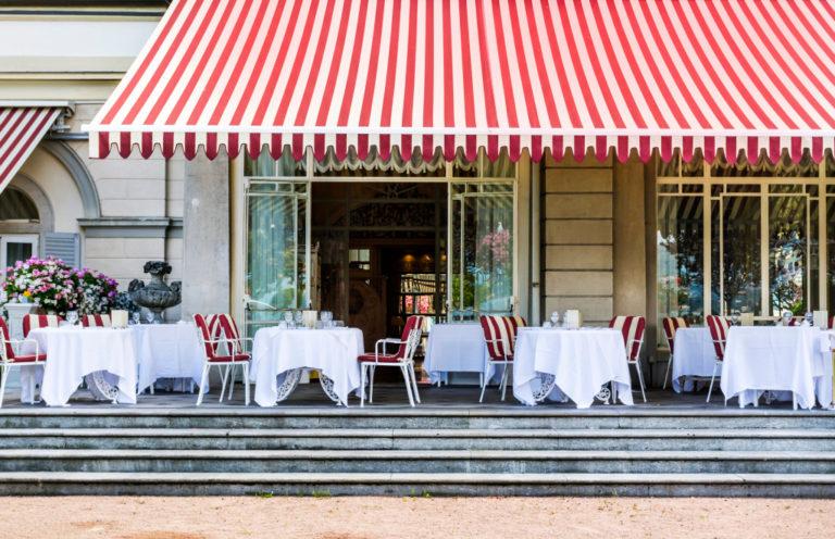 restaurant outdoor seating
