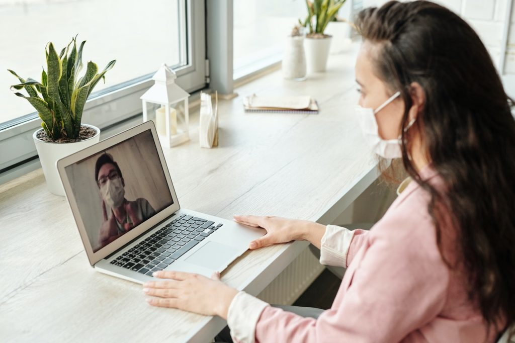 people during a virtual meeting