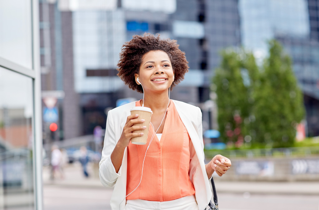 walking with coffee cup