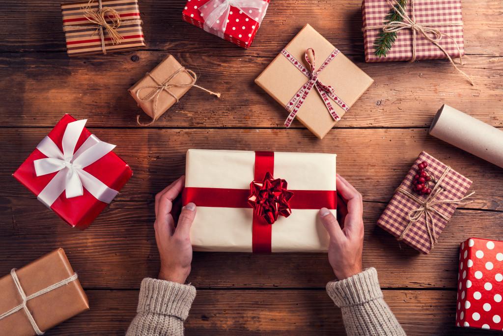 christmas gift making